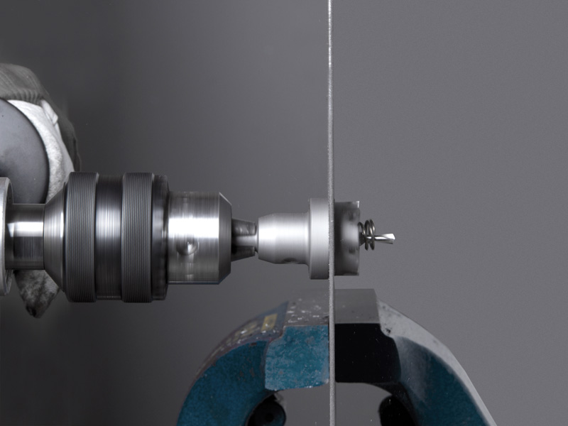 Application of HSS and tungsten carbide hole saws